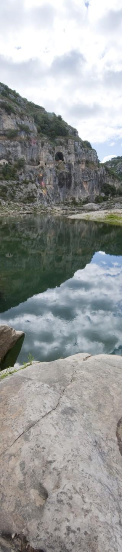 Ciel se reflétant dans le Gardon